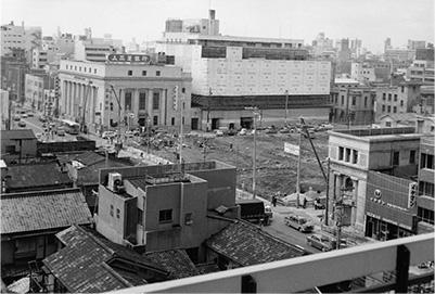 ビル建設中の堺筋